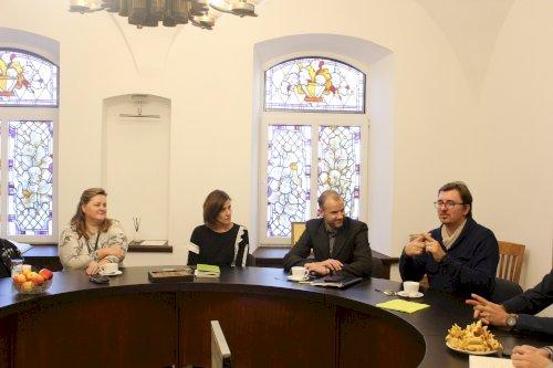 Susitikimas dėl lietuvių gestų kalbos vertėjų studijų ir kvalifikacijos kėlimo perspektyvos
