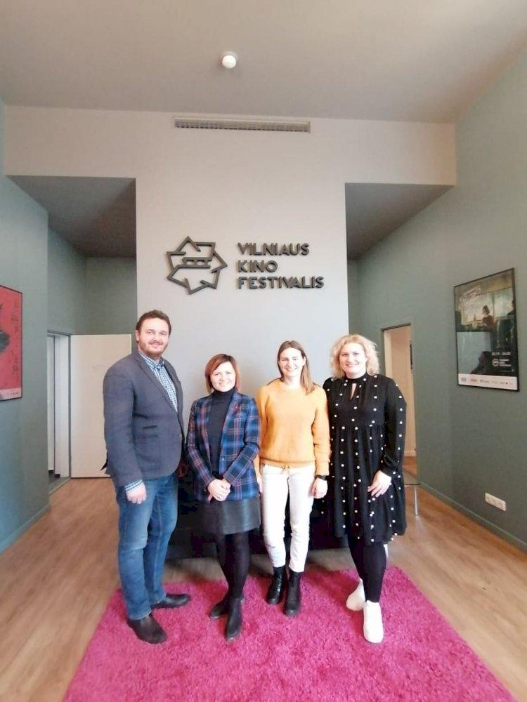 """LKD viceprezidentas Mykolas Balaišis susitiko Vilniaus tarptautinio kino festivalio """"Kino pavasaris""""  atstovais"""