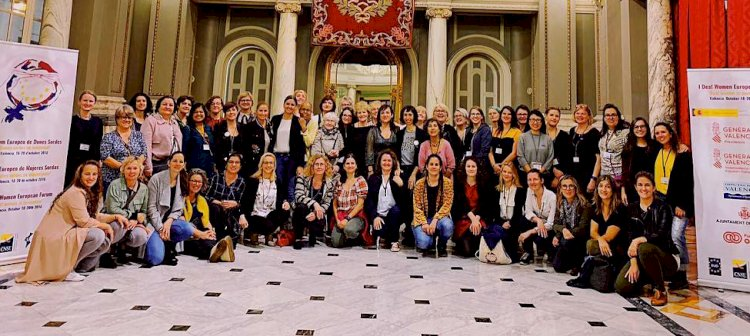 Valencijoje įvyko pirmasis Europos kurčiųjų moterų forumas