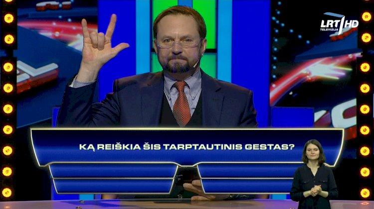 """Žaidime """"Kas ir kodėl"""" – klausimai apie gestų kalbą"""