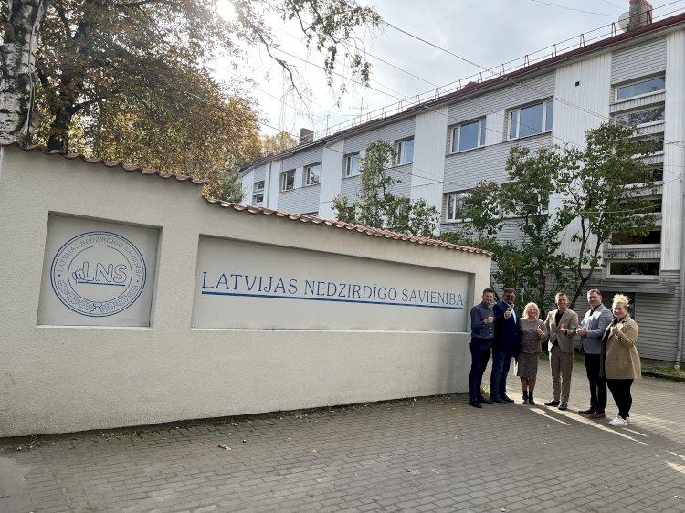 LKD vadovai apsilankė Latvijos kurčiųjų draugijoje